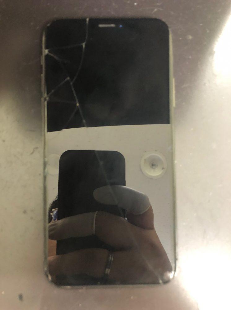 iPhoneX水没修理前