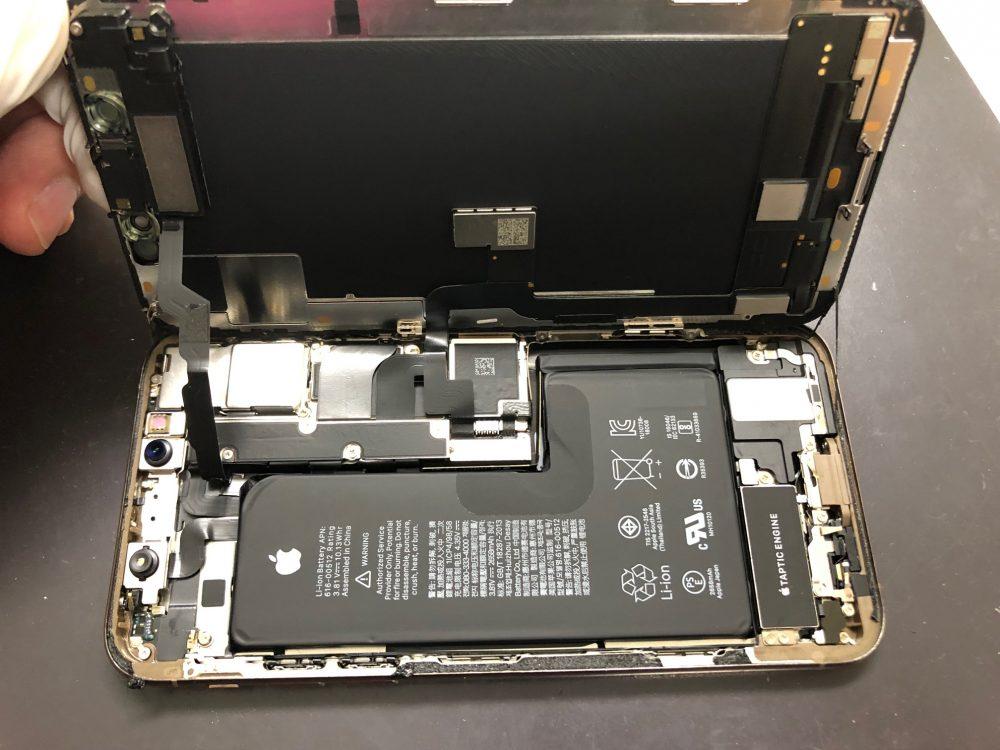 iPhoneXs 内部