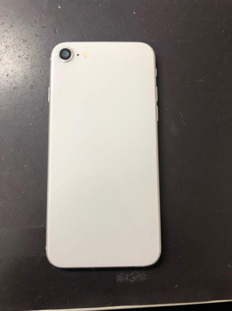 iPhone8背面修理後