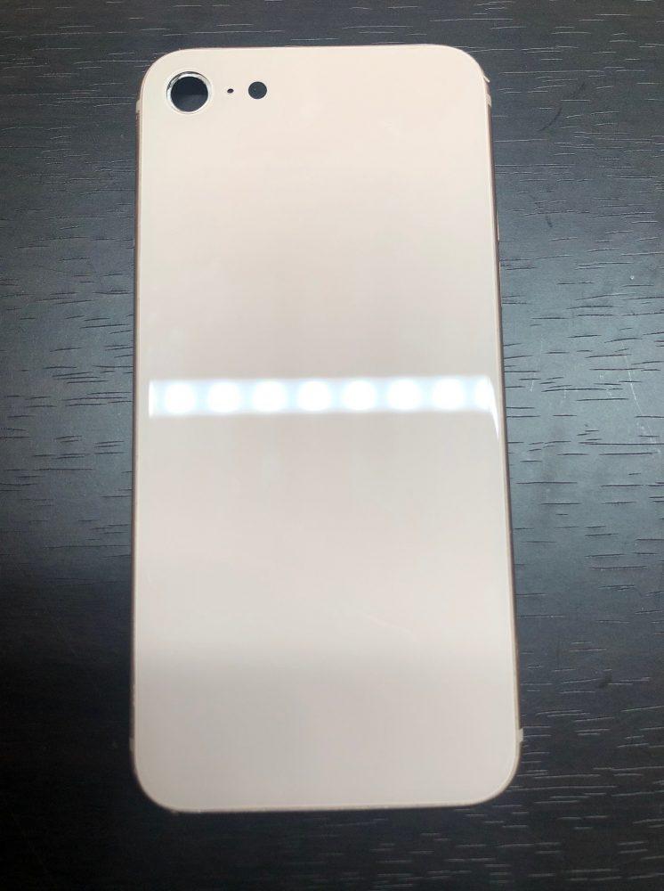 iPhone8 背面ガラス修理後