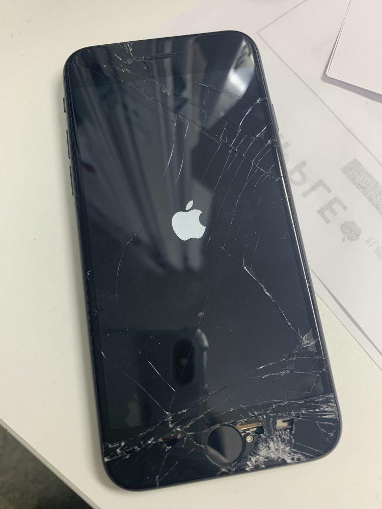 iPhone8 画面 修理前
