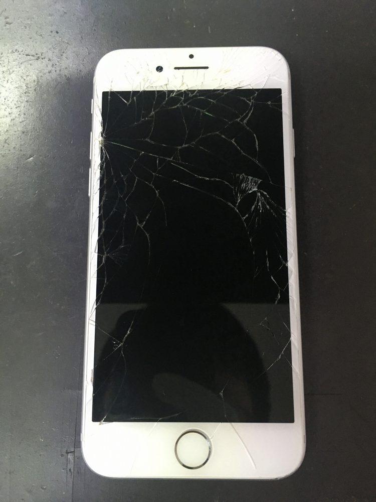 iPhone7 画面 点かない