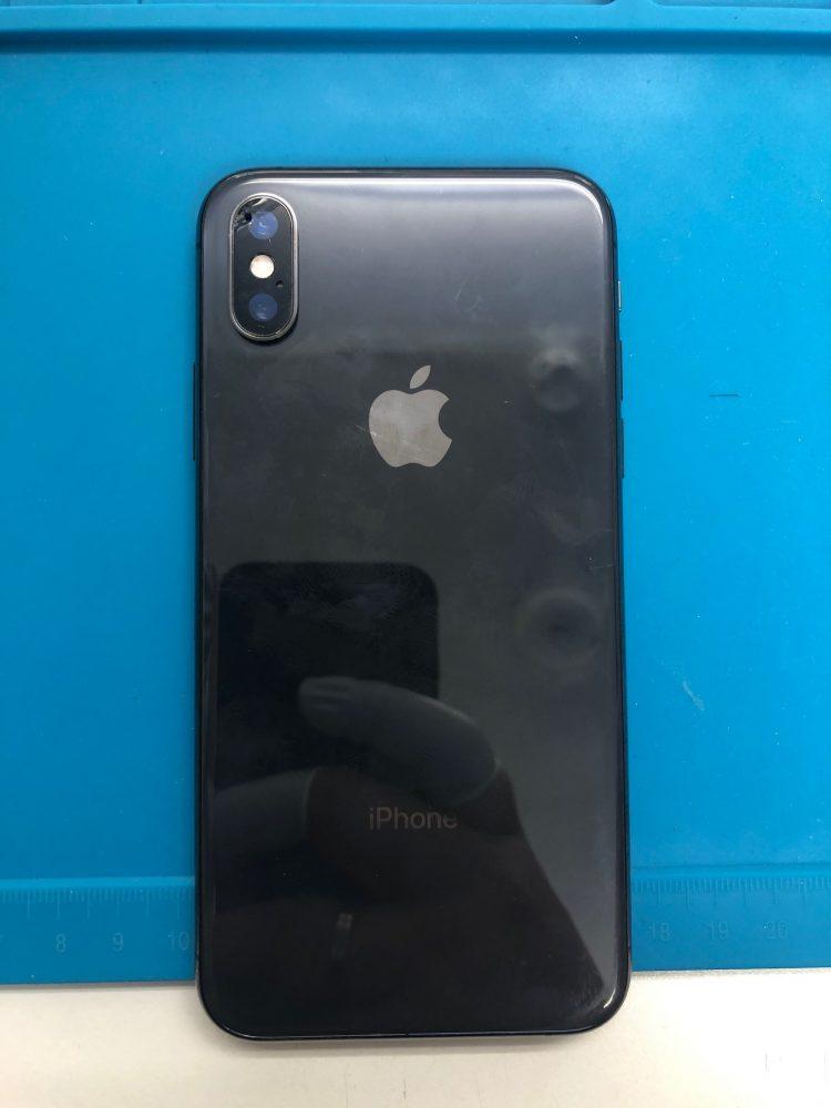 iPhoneXS カメラレンズ 修理前