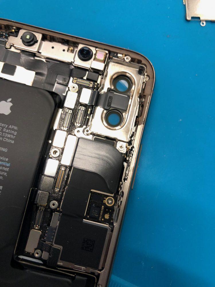 iPhoneXS バックカメラ 分解